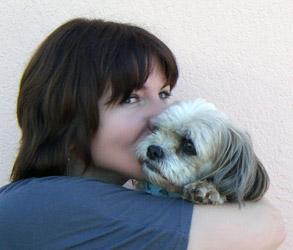 Irene Schmid mit ihrem Hund
